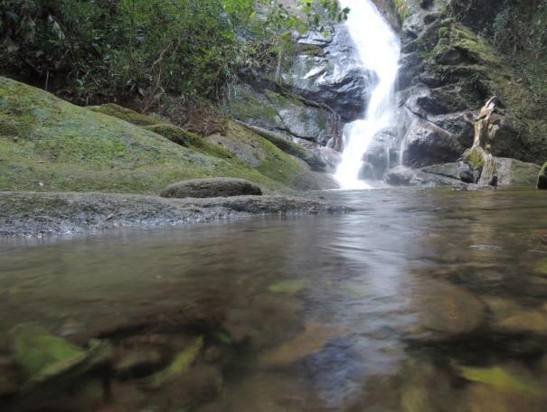 alcantilado_numero_8_cachoeira_gruta_do_granito_5
